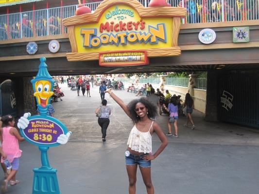 Disneyland Vs California Adventure Which One Wins One