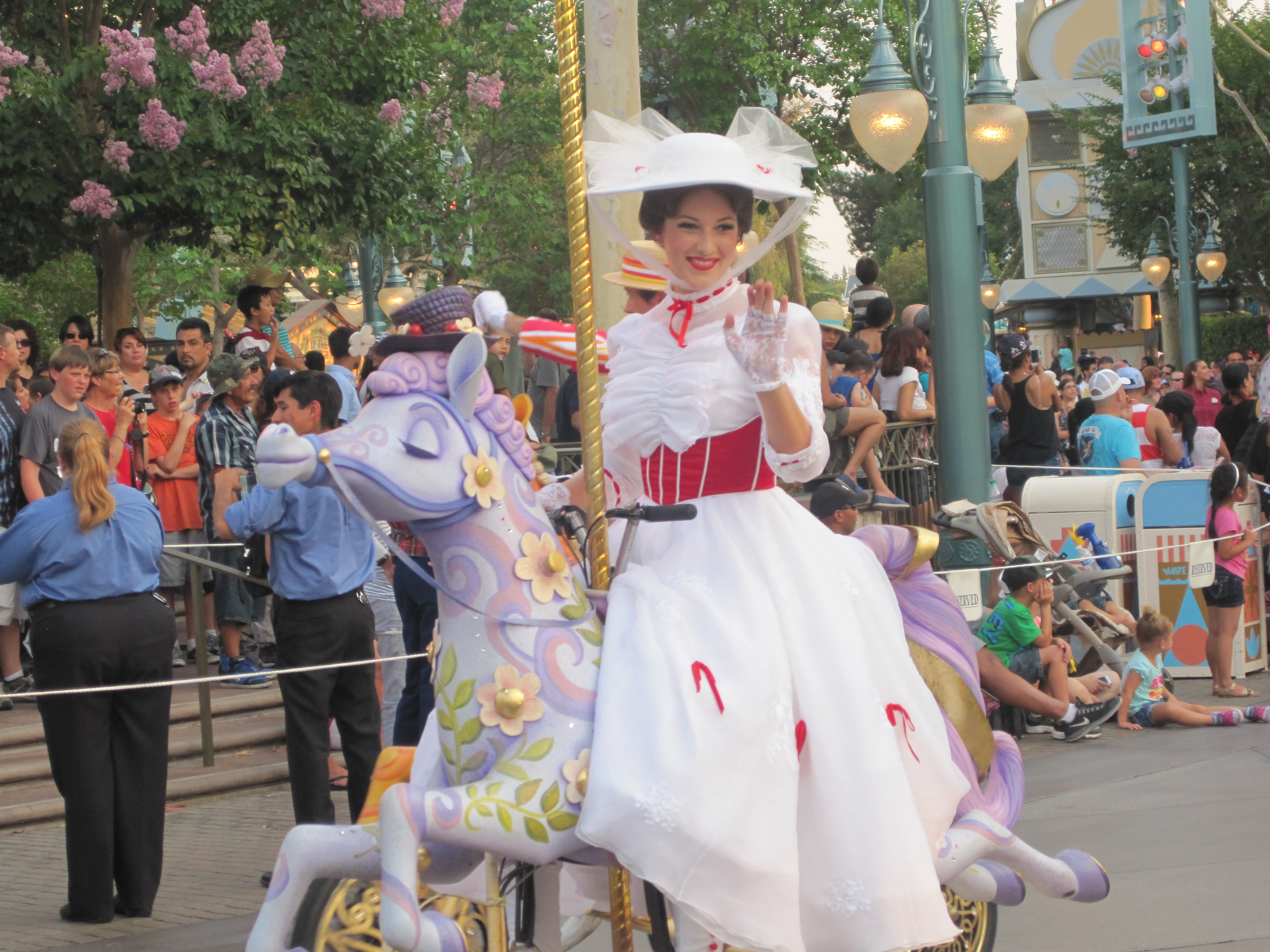 Disneyland vs California Adventure theme park. This is a parade