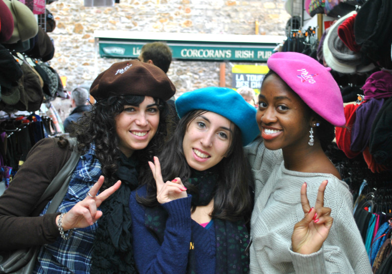 How to Make Friends in Paris (or Anywhere Abroad!)